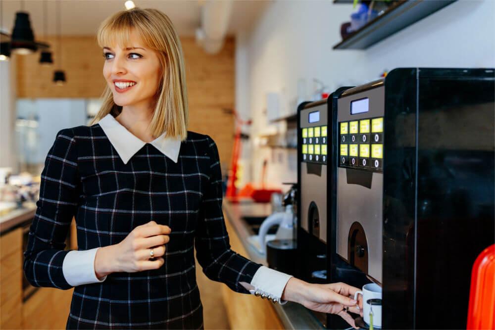 Dzierżawa ekspresu do kawy vs zakup